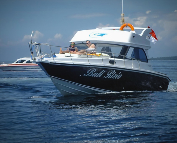 Bali Speedboat Yacht Rizio