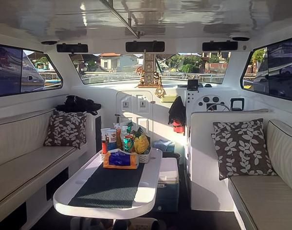 Bali Rizio boat interior