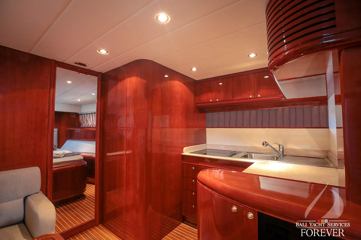 Rizzardi 50 yacht interior