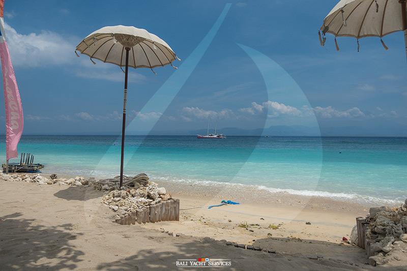 Aneecha at AMP Beach Club Penida